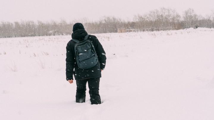 По следам ползущих школьников: репортаж из села, где дети ходят по сугробам на учебу