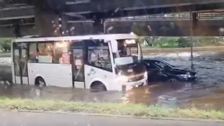 Ливень в Ростове затопил как минимум 13 многоквартирных домов. Список адресов