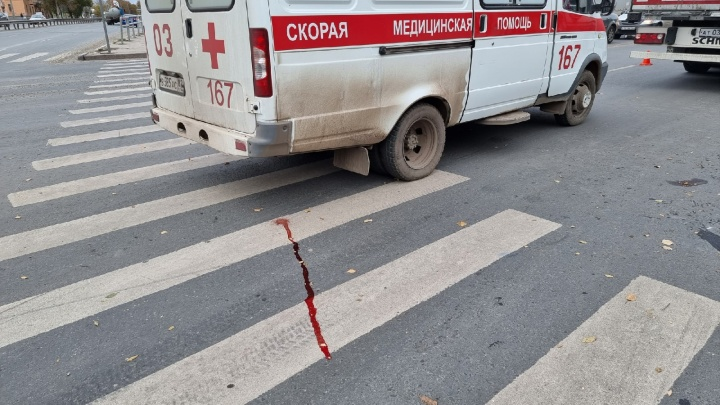 В Самаре на улице Авроры грузовик переехал девочку
