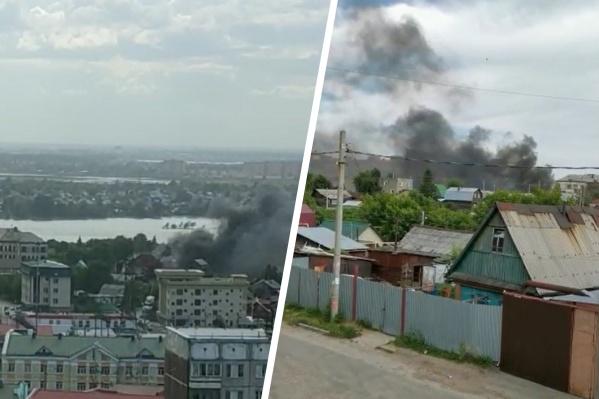 Столб дыма заметили вечером в Железнодорожном районе