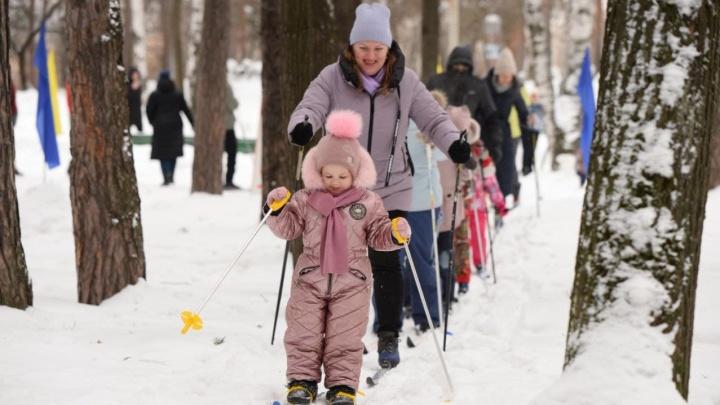 Коронавирус против «Лыжни России»: 30 главных кадров с гонок в Екатеринбурге