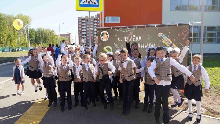В первый раз — в первый класс: показываем школу в Новой Самаре изнутри