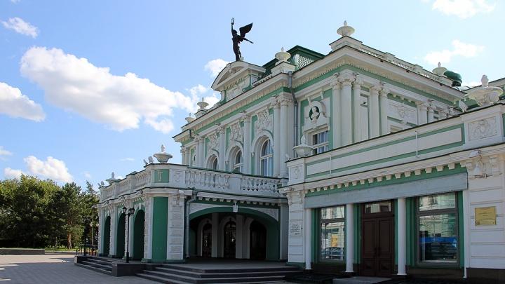 В Омской области введут QR-пропуска в театрах и музеях