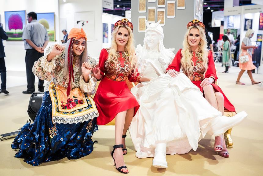 Многие иностранцы стали изучать русскую культуру, обычаи и сказки именно благодаря Бабе-яге