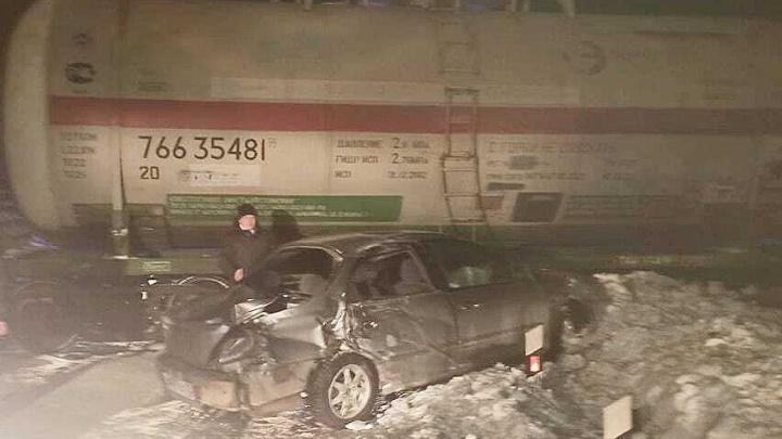 В Башкирии KIA Spectra вылетела под поезд, есть пострадавшие