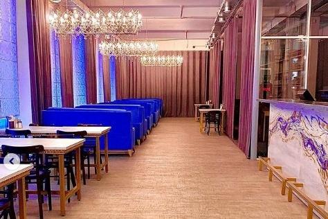 С недавнего времени ресторан «Коза» работает на улице Братьев Кашириных