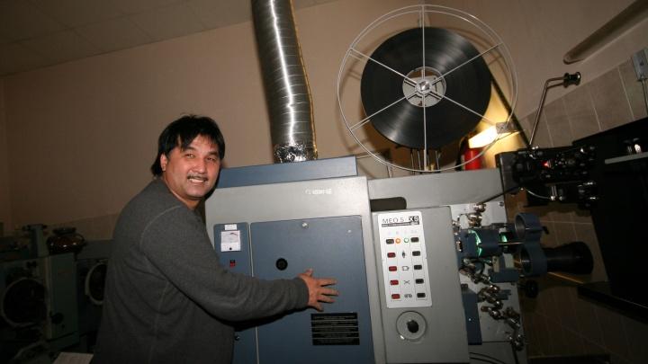 Человек, который изменил кино: как новосибирец открыл первые в городе современные кинотеатры, куда приезжал даже мэр