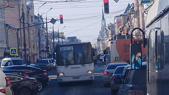 Транспортный коллапс: из-за аварии на сетях в Ярославле встал электротранспорт