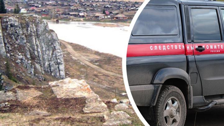 «Простите и прощайте»: в уральском поселке покончила с собой 13-летняя девочка. Это второй случай за месяц