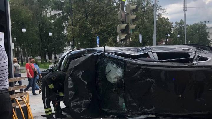 Притормозить, чтобы доехать: семь опасных перекрестков в Екатеринбурге, где надо замедлить движение