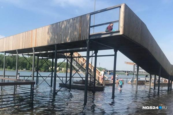 Затопленная площадка на Ярыгинской набережной