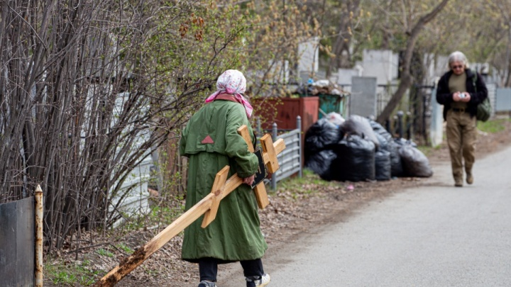 В родительский день до челябинских кладбищ запустят дополнительный транспорт