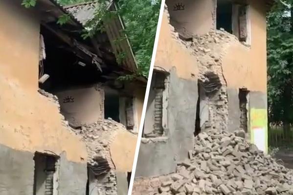 Зданию уже нанесен фактически непоправимый урон