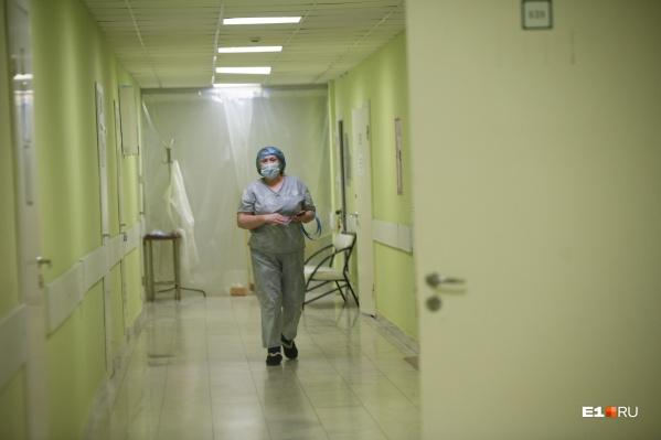 Все больше пациентов попадает в больницы