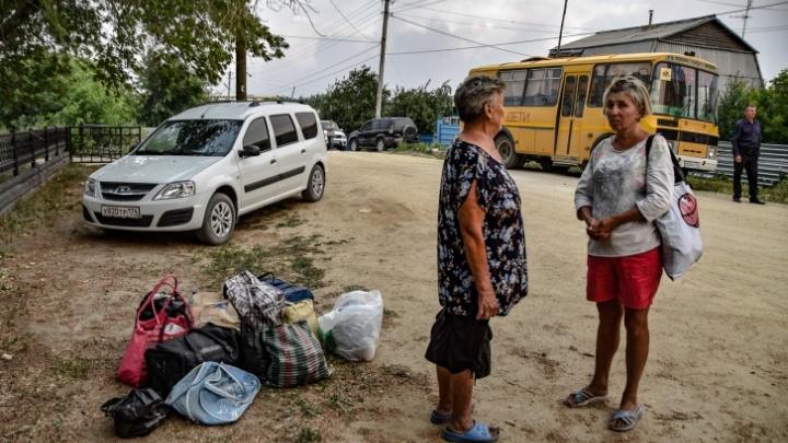 В Челябинске открыли пункты сбора помощи для людей, потерявших дома из-за лесного пожара на юге области