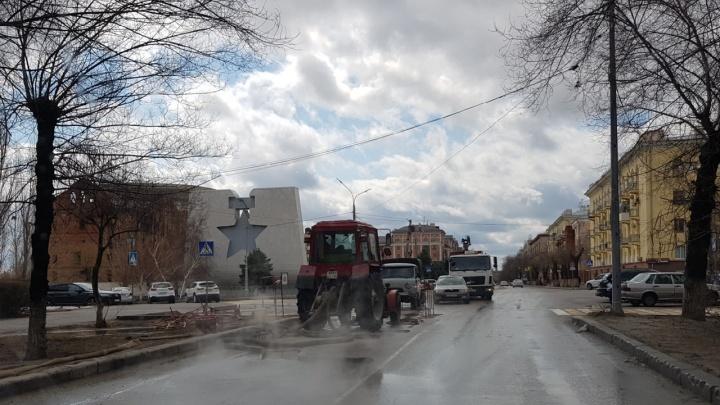 В центре Волгограда сотни жителей остались без горячей воды из-за порыва на теплотрассе