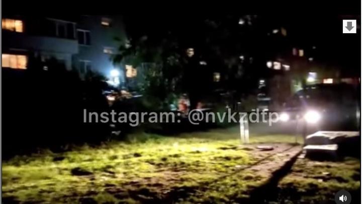 В Новокузнецке жителей многоэтажки эвакуировали ночью из-за сообщения о бомбе