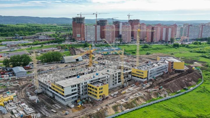 Усс рассказал, когда в Красноярске и крае избавятся от второй смены в школах