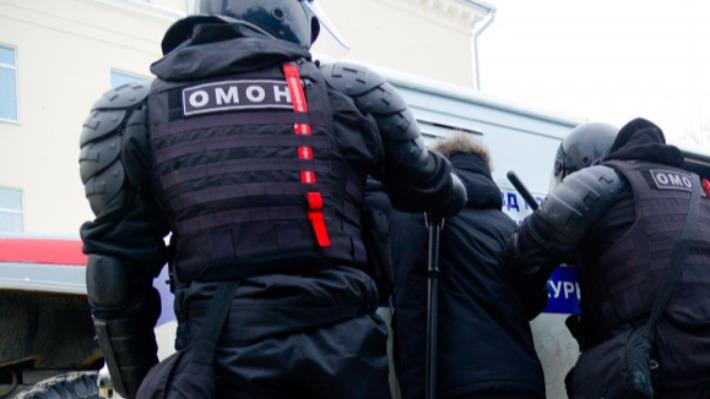 Политологи ответили, ждать ли более строгих мер по пресечению акции в поддержку Навального в Архангельске