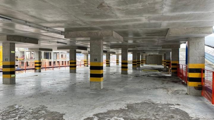 В «Тихих зорях» возводят сразу 4 многоуровневые парковки