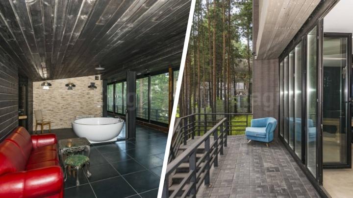 В Бердске продают роскошный коттедж с собственным пирсом— смотрим, что внутри элитного дома за 65миллионов