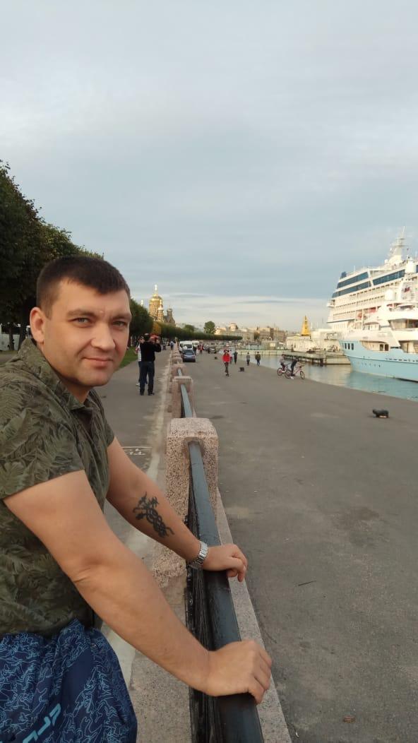 На руке у Дмитрия была татуировка, а на теле, доставленном на родину, ее нет