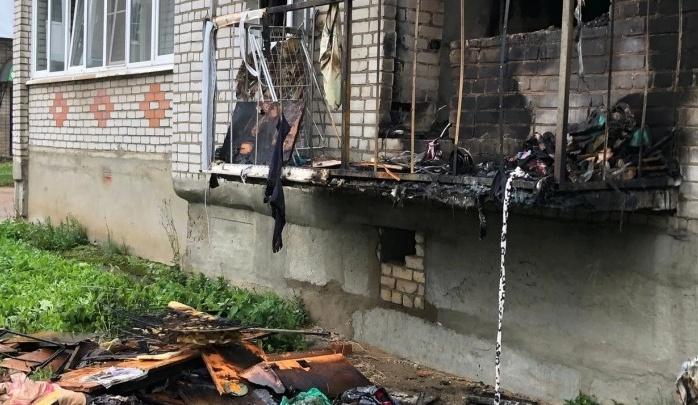 Уничтожено чужое имущество: после пожара в ярославской пятиэтажке возбудили уголовное дело