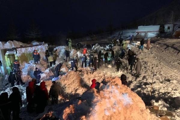 Поиски погребенных под снегом