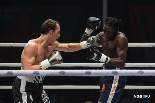 На ринг вышли сильнейшие боксеры России и всего мира. Например, в боях приняли участие и спортсмены из Уругвая и Танзании