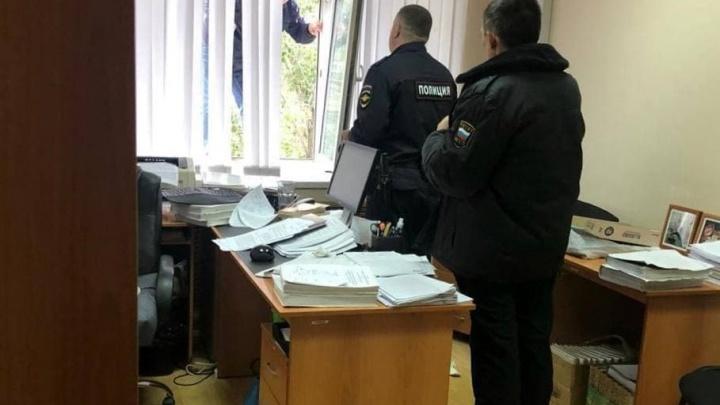 Вывернул кисть: в Самаре мужчина напал на судью