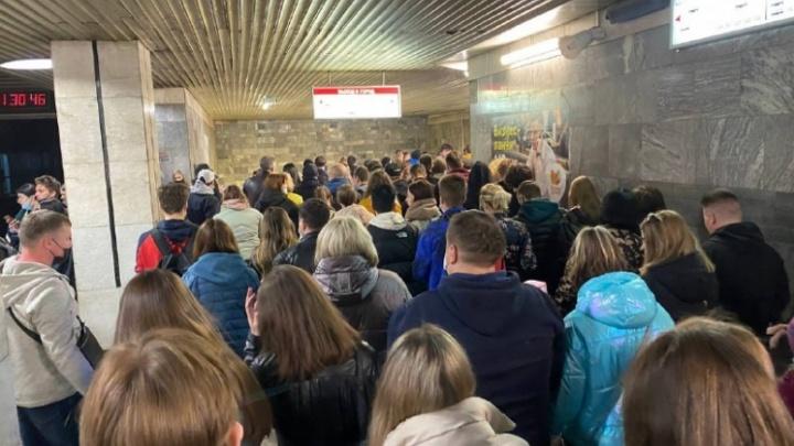 В новосибирском метро придумали способ уменьшения толпы после массовых мероприятий на набережной