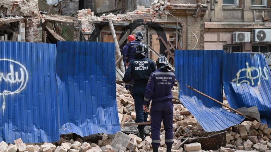 Логвиненко назвал ночной ливень причиной обрушения дома в центре Ростова