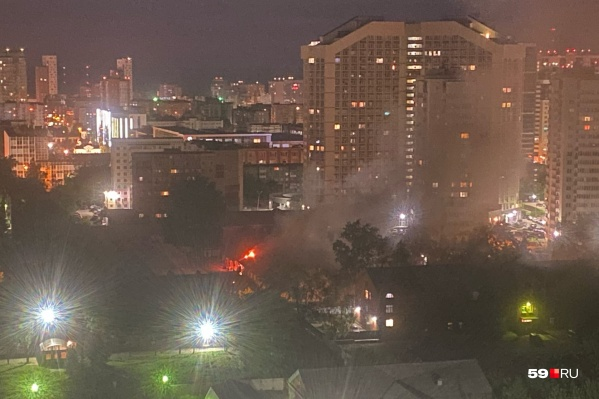 Ночной пожар в Красных казармах