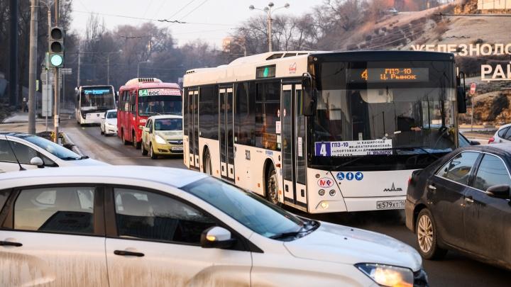 Дептранс: Ростов столкнулся с дефицитом водителей автобусов