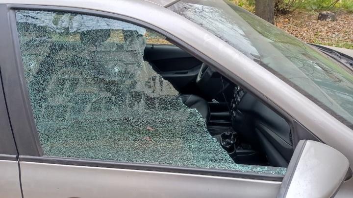 В Ярославле расстреляли легковой автомобиль