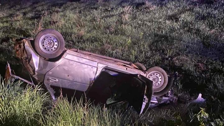 Улетели в кювет: в Самарской области в ДТП погибла 17-летняя девушка