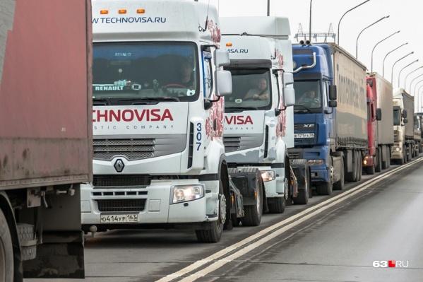 Нововведения для водителей большегрузов будут действовать до конца 2025 года