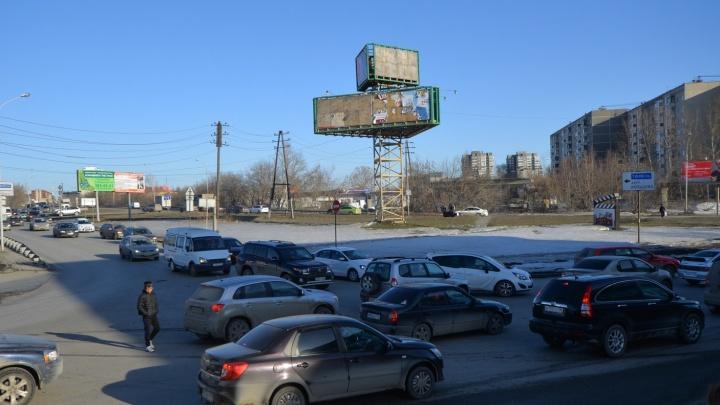 Мэрия Екатеринбурга перестала искать подрядчиков для реконструкции развязки у «Калины»