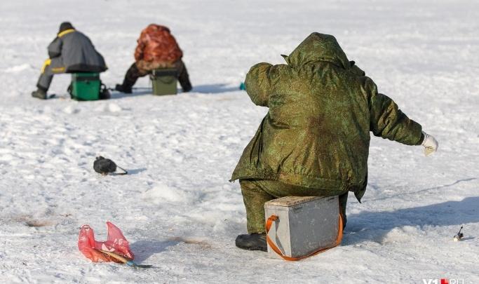 Нашли под старым мостом через Ахтубу: под Волгоградом на зимней рыбалке утонули два брата