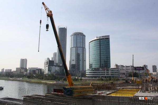 Новый мост ждут уже почти пять лет
