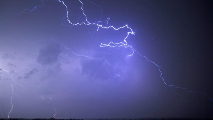 Конец аномальной жаре: МЧС дало экстренное предупреждение о ливнях и грозах