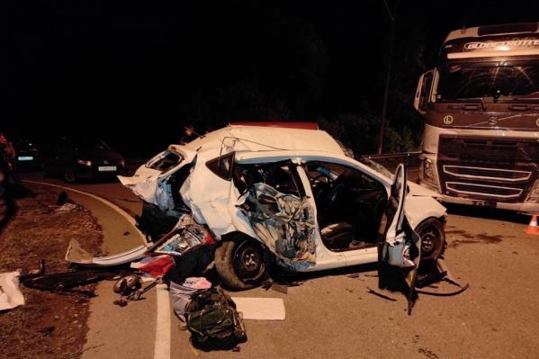 В аварии погибли родители троих детей