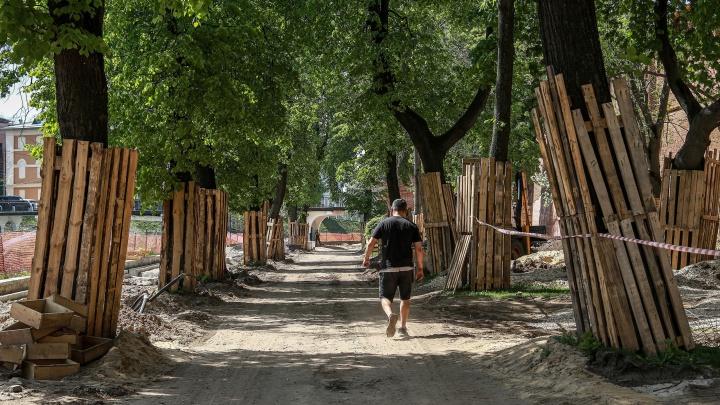 «Станет одной из лучших улиц Нижнего». Фоторепортаж с реконструкции Кремлевского бульвара