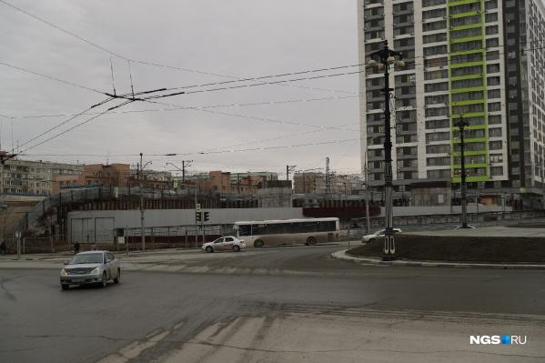 20-этажное здание должно появиться здесь — рядом апарт-комплекс, железная дорога и напряженная развязка