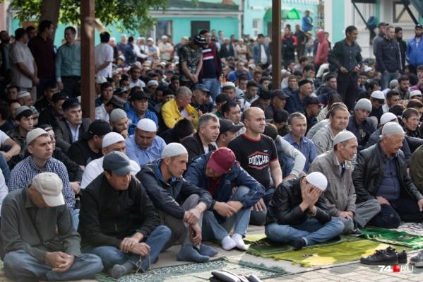 Мечети будут открыты, но службу проведут без угощений