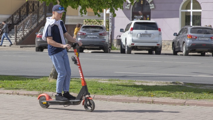 Ограничить скорость и места для катания: в Ярославле власти решили обуздать электросамокатчиков