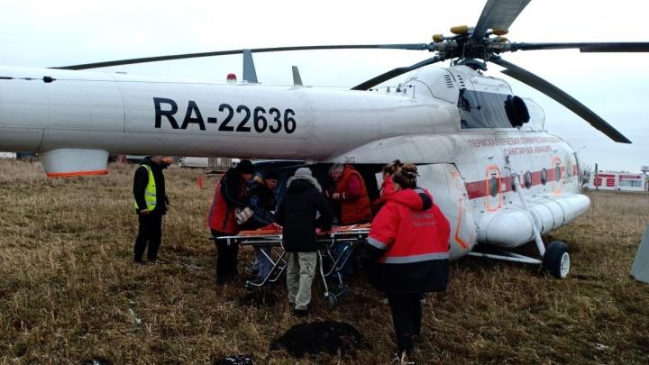 В Пермском крае за долги изъяли единственный вертолет санавиации: что говорят владелец, перевозчик и Минздрав