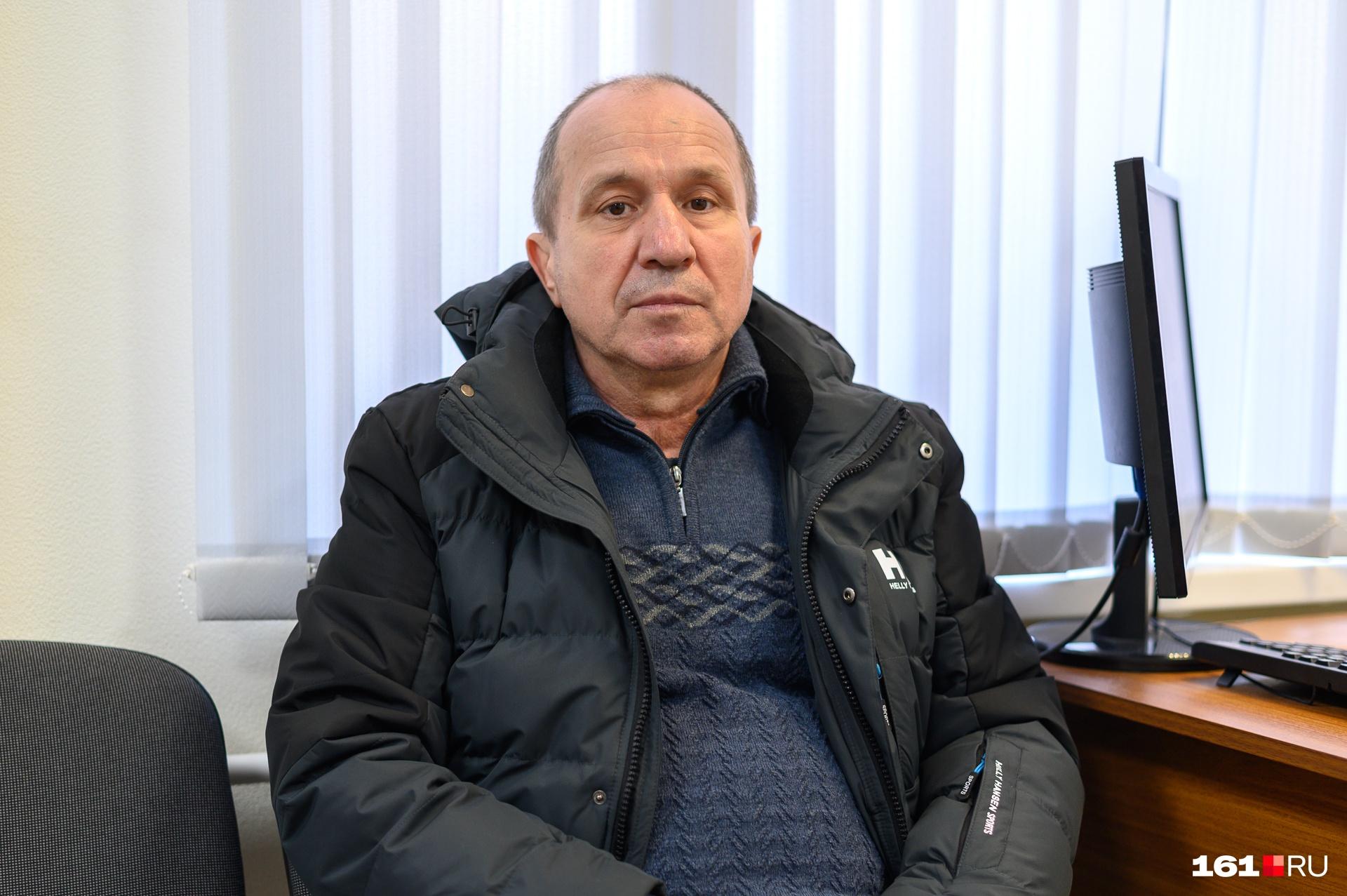 Сергей Мосенко уже 30 лет работает водителем