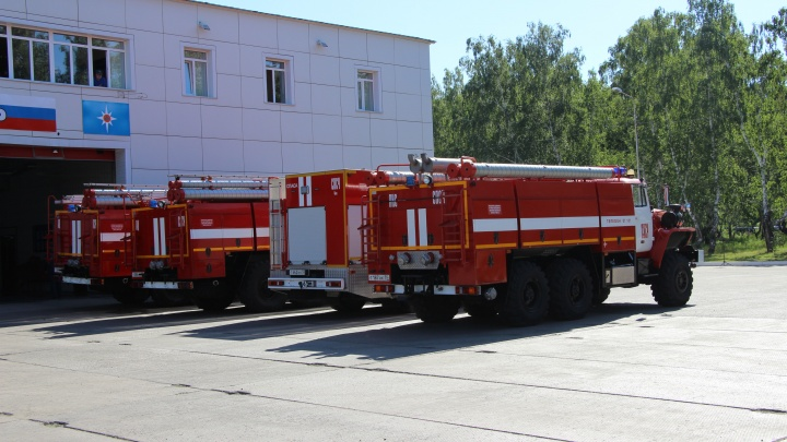 В Омске все пожарные машины включат сирены в честь погибшего главы МЧС