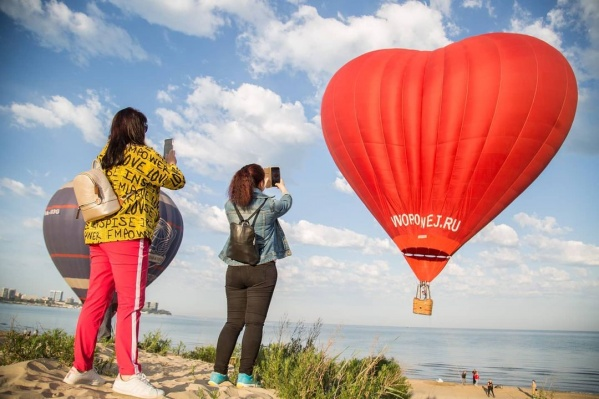 Все желающие смогут подняться в воздух на одном из 35 шаров